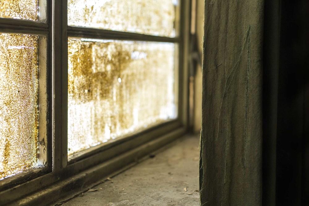 Pin & Curtain.jpg