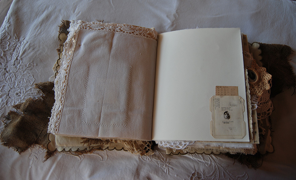 RagsLace-FabricPaperBook19.jpg
