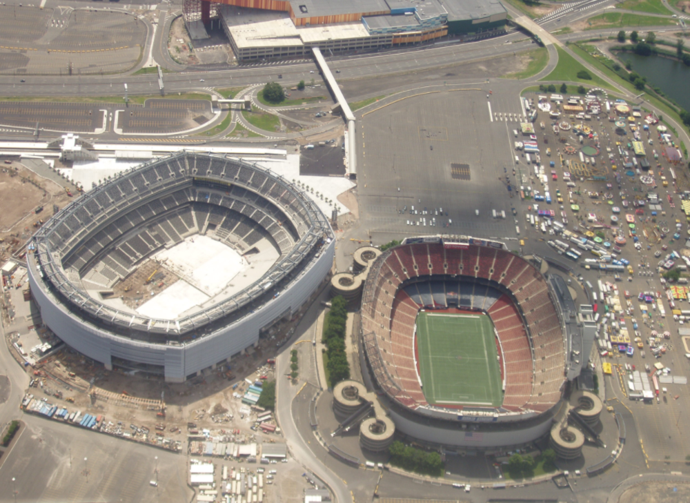 MetLife under construction next to the old Giants Stiadum in 2009