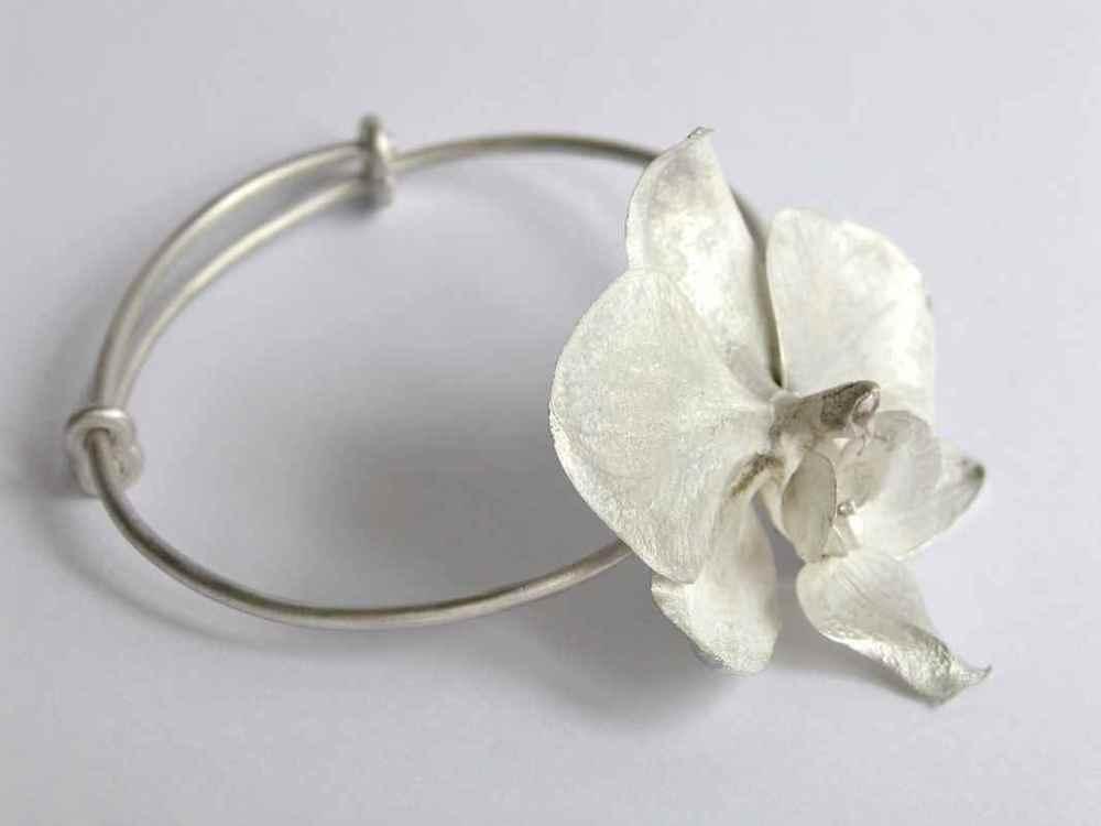 Phalaenopsis wristpiece NBW005.jpg