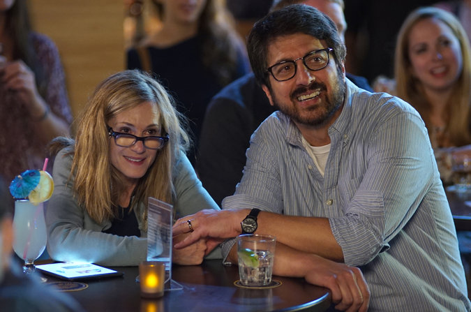 Kumail romances Emily's parents during one of his shows.