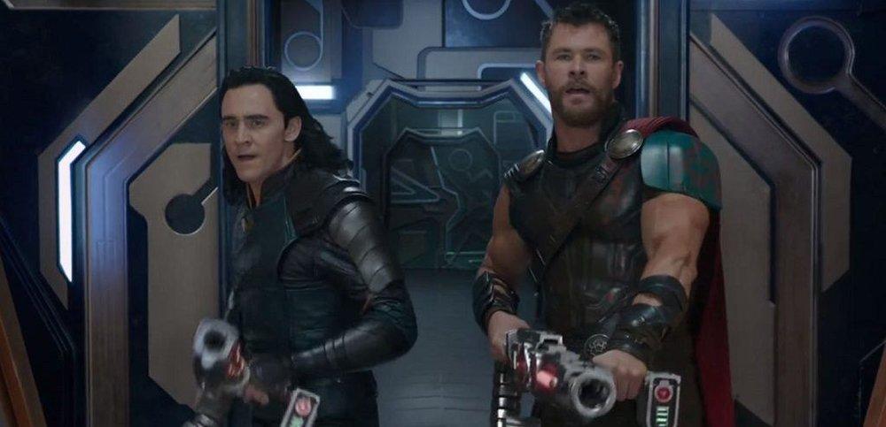 Tom Hiddleston and Chris Hemsworth in 'Thor: Ragnarok'.