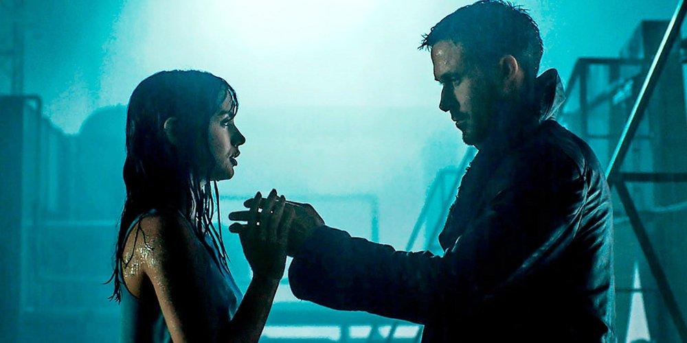Ana de Armas and Ryan Gosling in 'Blade Runner 2049'.