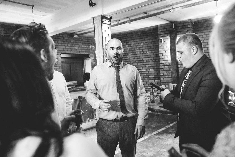 Wedding gusts amazed by wedding entertainer