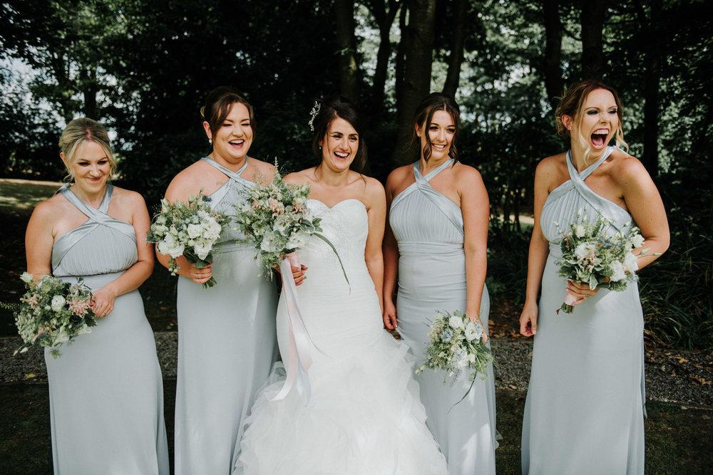 bridal group photos