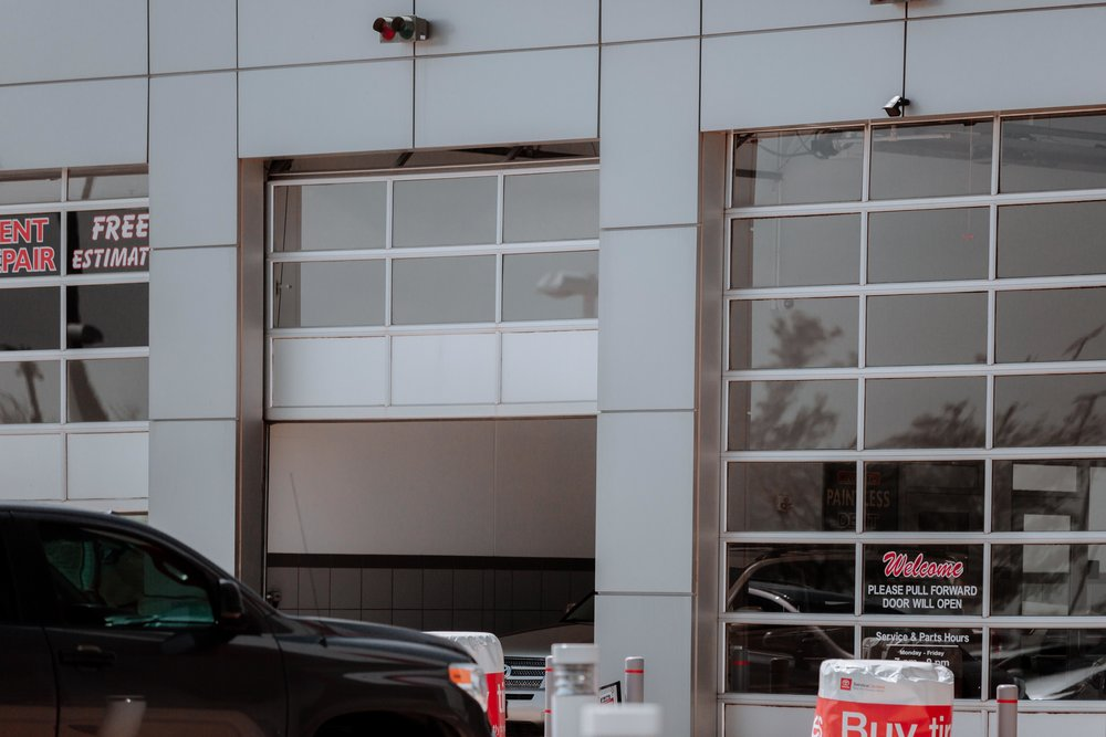 WindsorDoor_CommercialDoors_HighFiveMedia_FowlerToyota_28.jpg