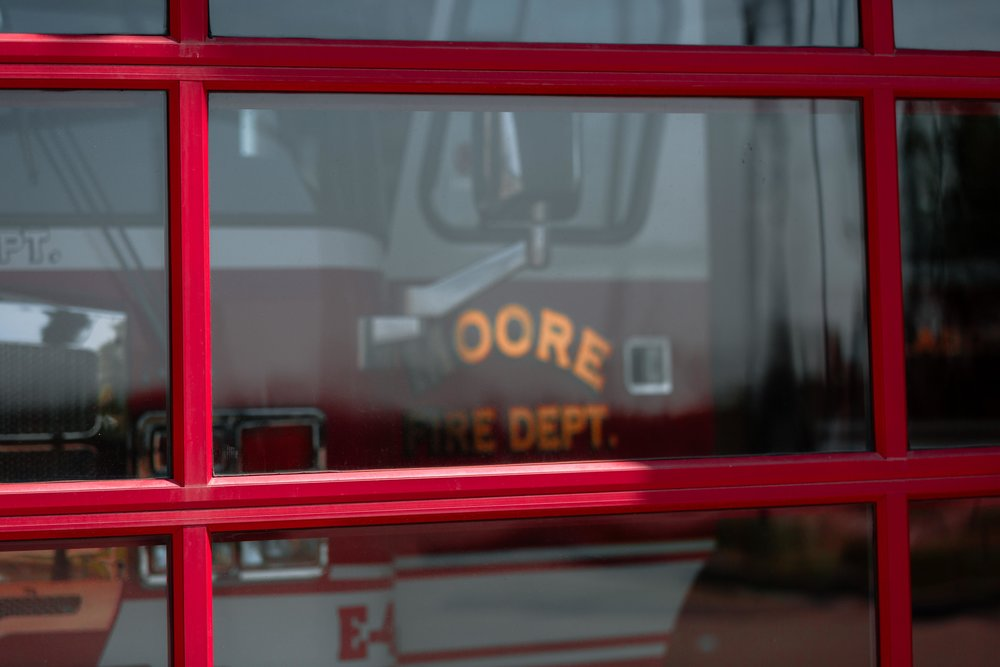 WindsorDoor_CommercialDoors_HighFiveMedia_MooreFireStation_31.jpg