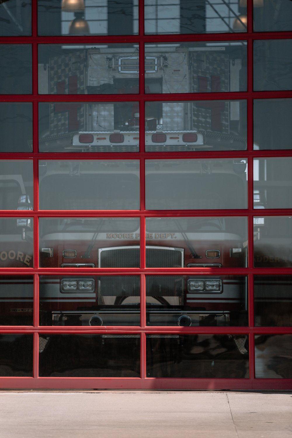 WindsorDoor_CommercialDoors_HighFiveMedia_MooreFireStation_32.jpg