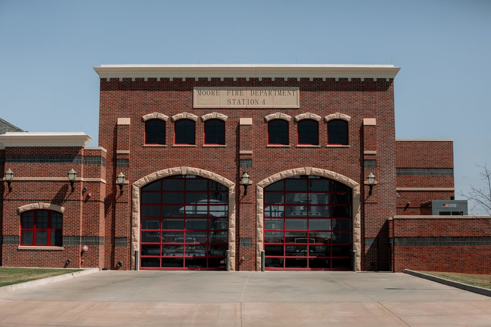 WindsorDoor_CommercialDoors_HighFiveMedia_MooreFireStation_33.jpg