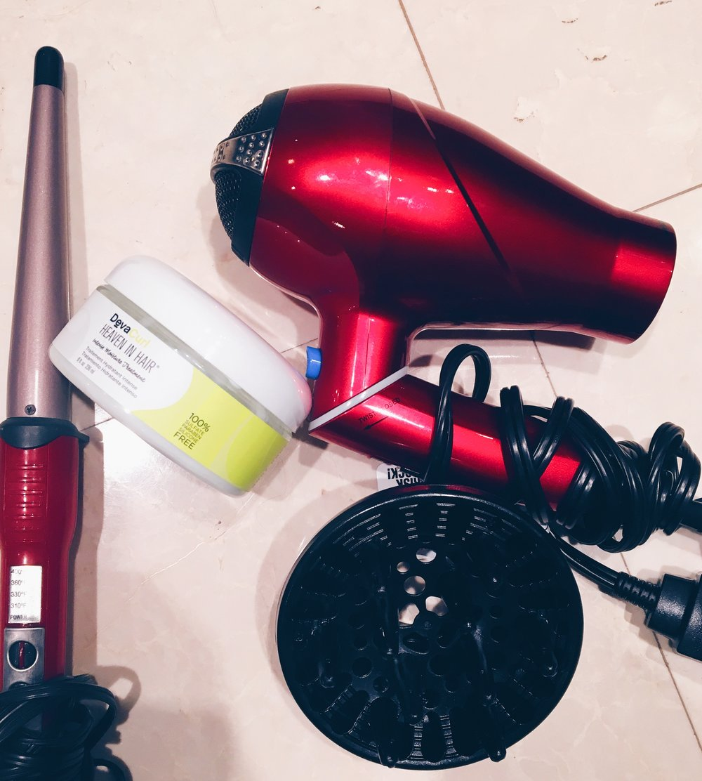 CONAIR Wand | Heaven in Hair Leave in Conditioner | CONAIR Compact Blowdryer and Diffuser