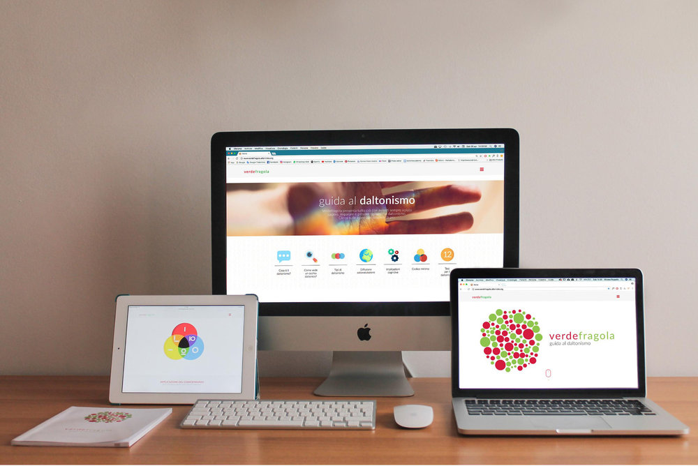 """CATEGORIA STUDENTI LAUREATI  Secondo premio  Il progetto  """"Verde fragola"""" è un progetto che nasce dall'esigenza di dover informare sul daltonismo, ponendo l'accento in particolare modo sulla sfera infantile. Lo scopo è quello di creare un sito web responsive, accessibile a tutti e ideato in maniera tale da poter offrire la possibilità di imparare e capire a fondo cosa significhi essere daltonico. Il progetto vede inoltre la realizzazione di un """"codiceminimo"""" che possa agevolare l'apprendimento dei colori nei bambini affetti da daltonismo. Lo studio del codice è basato sulle conoscenze acquisite dalla """"Teoria dei colori"""" di Kandinskij e si sviluppa attraverso elementi minimi ricavati da forme geometriche elementari."""