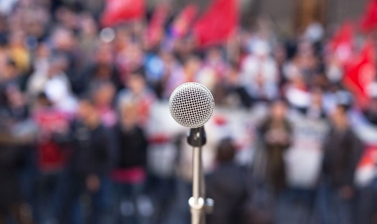 Microphone-and-crowd1.jpg