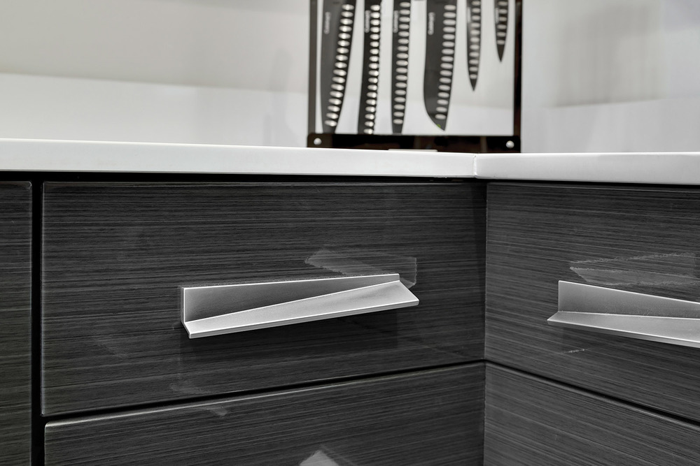 Loft Contemporary Kitchen Cabinets: Handle Closeup