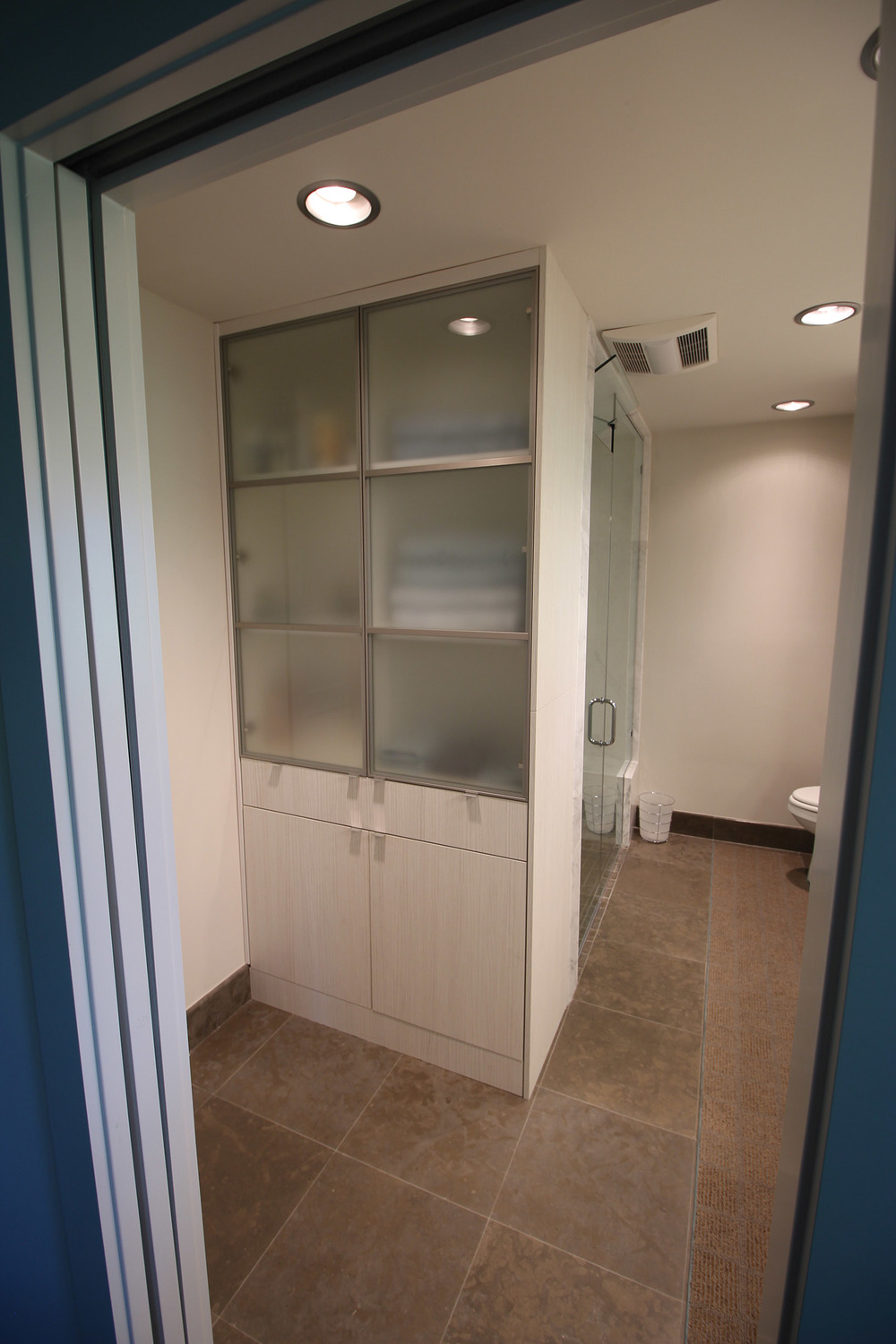 Contemporary Bathroom Cabinet