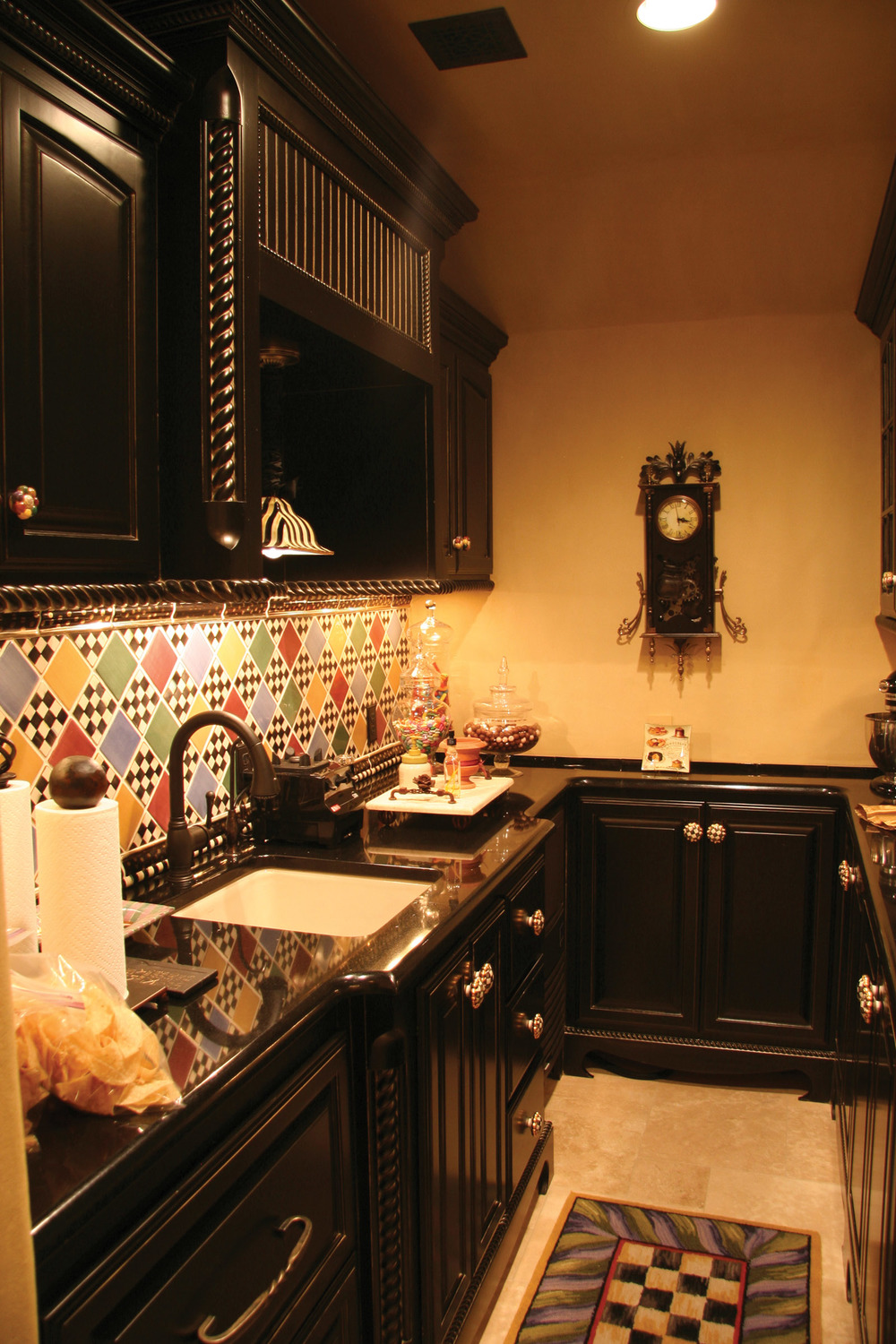 Old World Butler Pantry Black.jpg