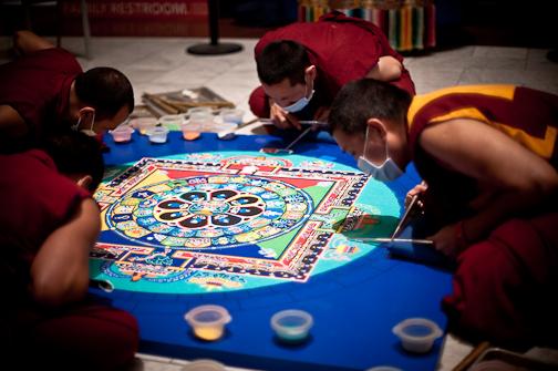 tibetanmonks_sandmandala762.jpg