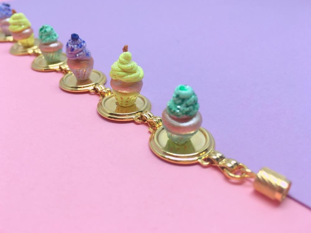 Foodxury - Muffins bracelet.jpg