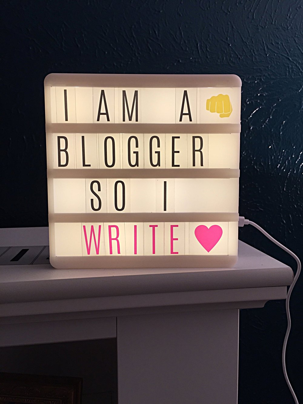 Lightbox Blogger.jpg