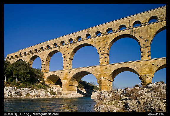 Roman aqueducts. Image courtesy of http://www.terragalleria.com/europe/france/pont-du-gard/picture.fran41426.html