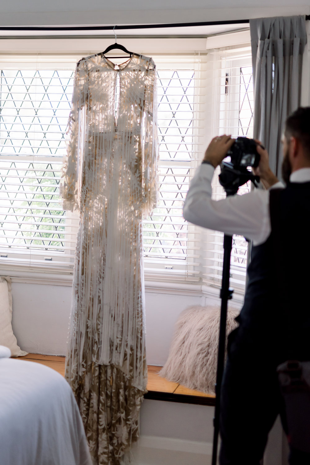 Behind the scenes of a wedding photographer