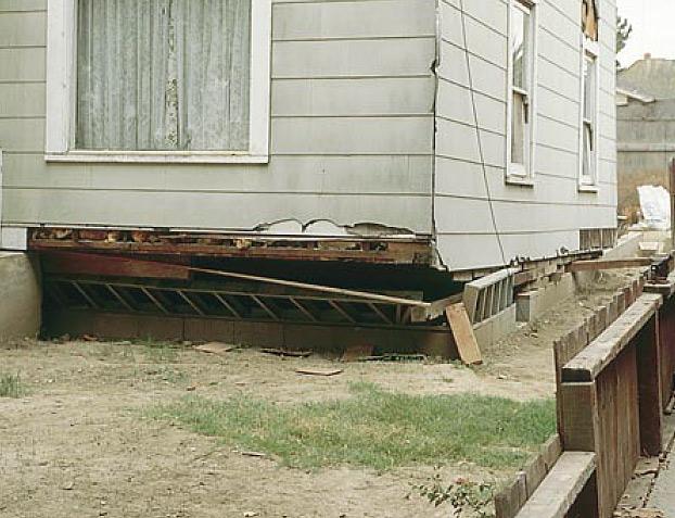 earthquake-damaged cripple wall example