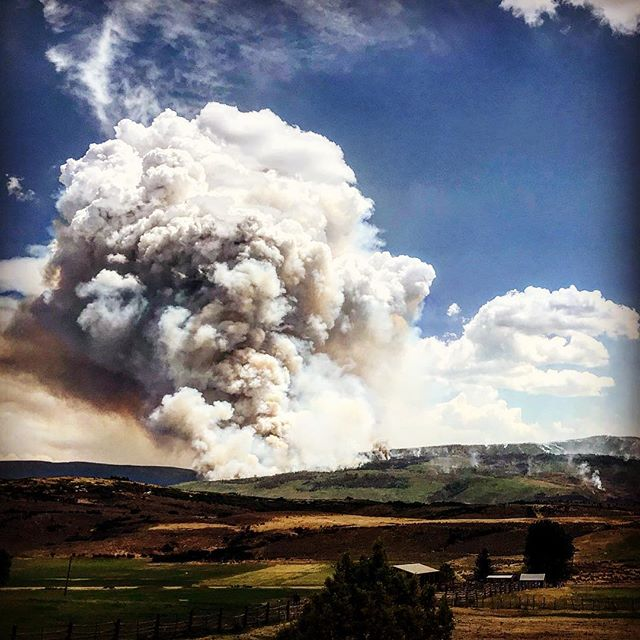 #lakechristinefire flared back up - 2.5 weeks in. 8,880 acres burned. Just over the hill from my house. #thankyoufirefighters