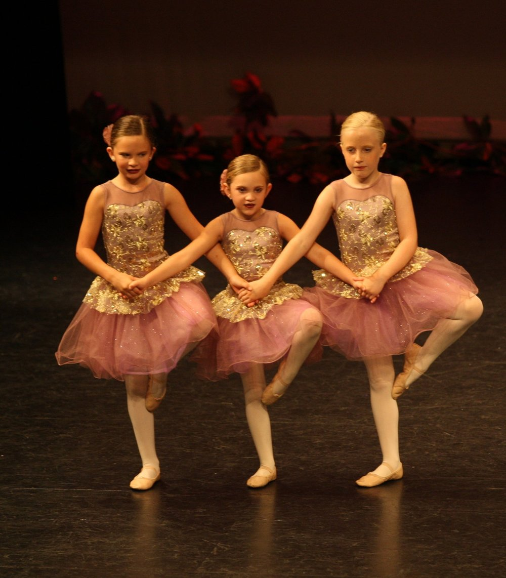 Molly Magill, Avery Disse, &Emma Cowell