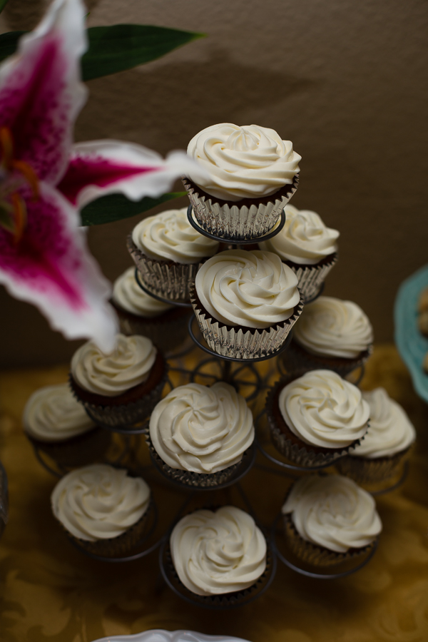 Pumpkin Cheesecake Frosting Cupcakes
