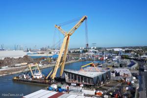 tilbury-port-crane-lift.jpg
