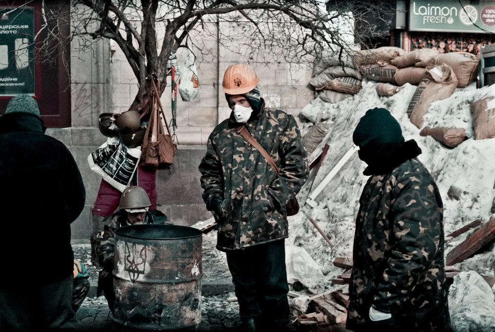 © Sam Asaert - Revolutionaries keeping warm