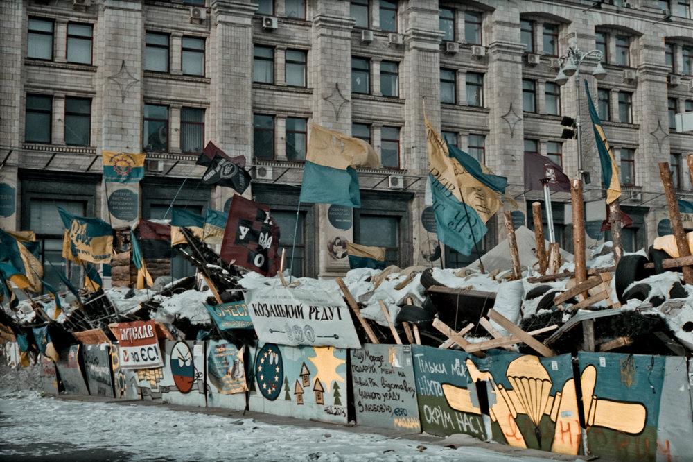 © Sam Asaert - Barricades on Khrushevskaya