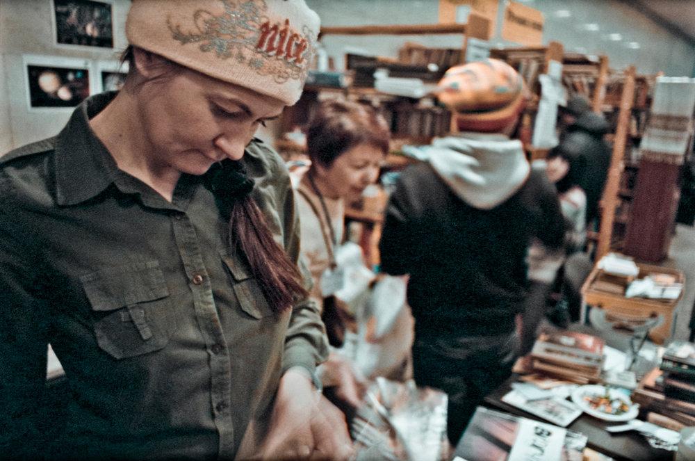 © Sam Asaert - Tanya at Open Maidan Library