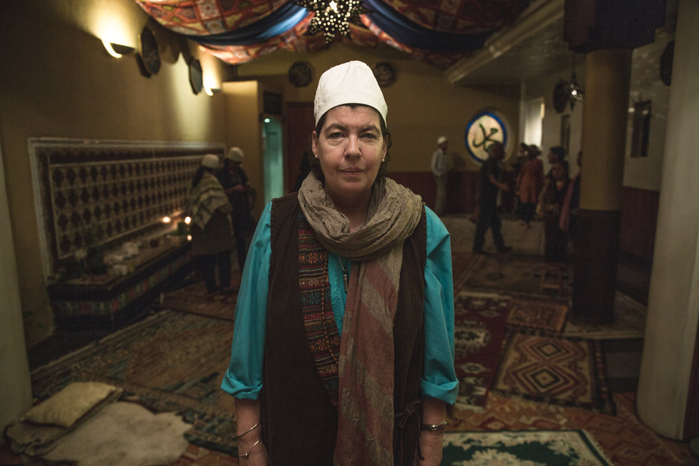 Sufi leader Amina al Jerrahi in the prayer room of the order.