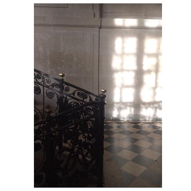 Light and shadow . #Tricouni #LuxuryThatPerforms #TricouniMoments #museepicasso #details #inspiration