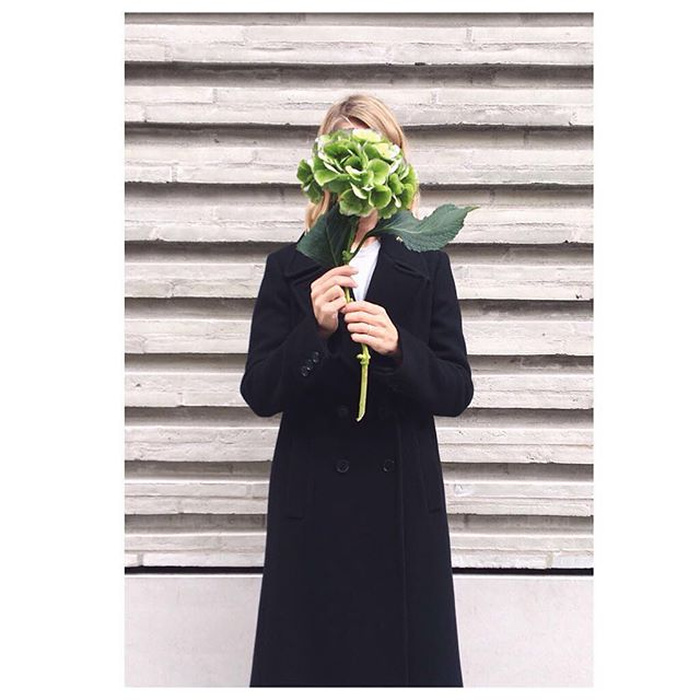 💚 . . #Tricouni #LuxuryThatPerforms #No4Tricouni #buynowwearnow #coatdisrupters #harveynichols #itscoldoutside