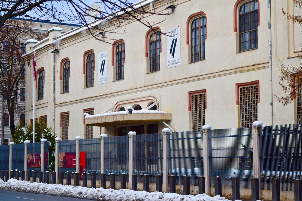 Museo de la Ocupación de Letonia, ubicación temporal