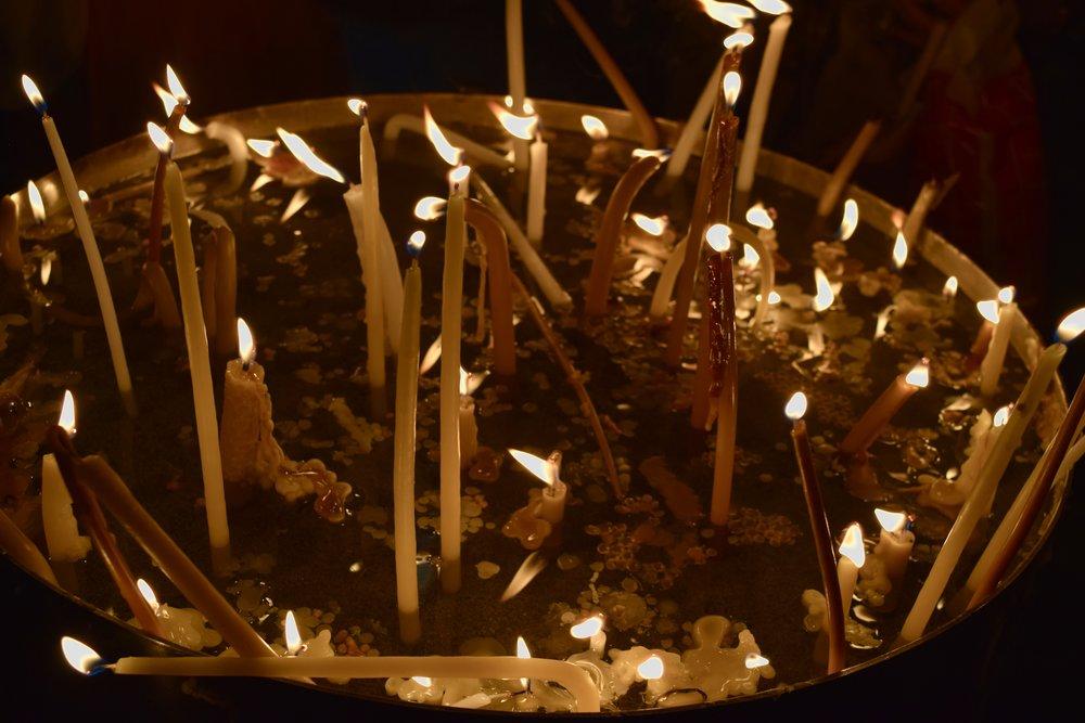 Velas en la Iglesia  del Santo Sepulcro
