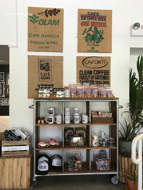 waikiki-breakfast-cafe-hawaii-moms-blog-waikiki-coffee