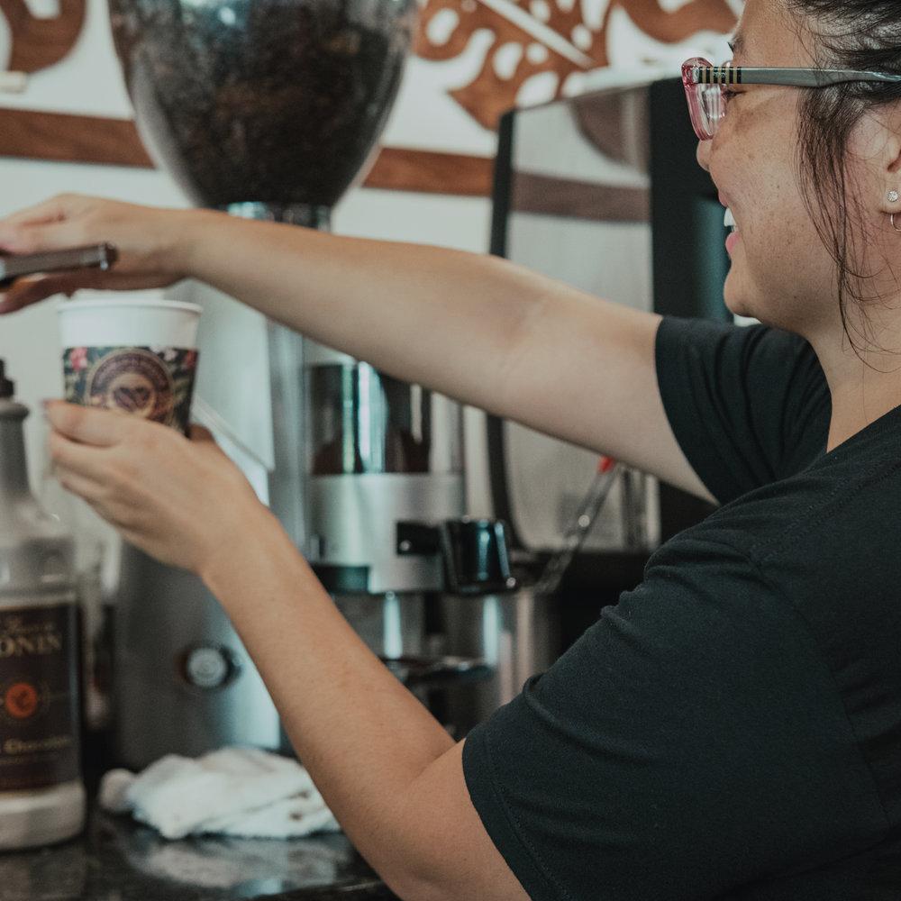 hawaiian-aroma-caffe-waikiki-career-barista