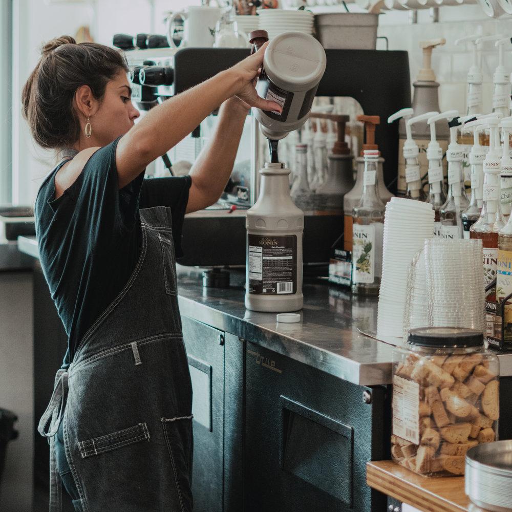 coffee-careers-waikiki-hawaiian-aroma-caffe-bartender