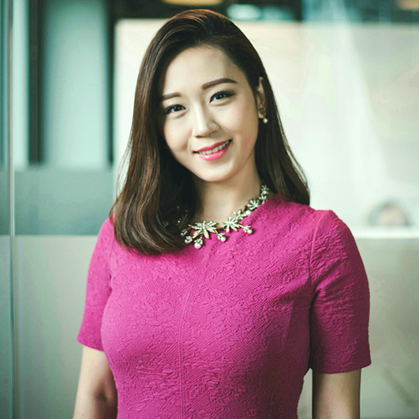 suran ding, Head of Marketing & Media,The Chinese Weekly - Suran leads The Chinese Weekly's media operations, marketing and advertising business in the UK and Europe. She brings integrated marketing experience in Chinese Social Media and Influencer Marketing, across Hospitality, Premium Cosmetics, Travel and Retail industries. Suran has developed her career in both marketing agency and media platform roles, strengthening her understanding of digital marketing and deepening her insight on user behaviour.The Chinese Weekly is an independent modern Chinese Media publication. Since 2015 it has been an appointed official agent for Sina & Weibo in the UK and Europe — helping more than 200 UK and European brands and companies reach the emerging China market through social media.