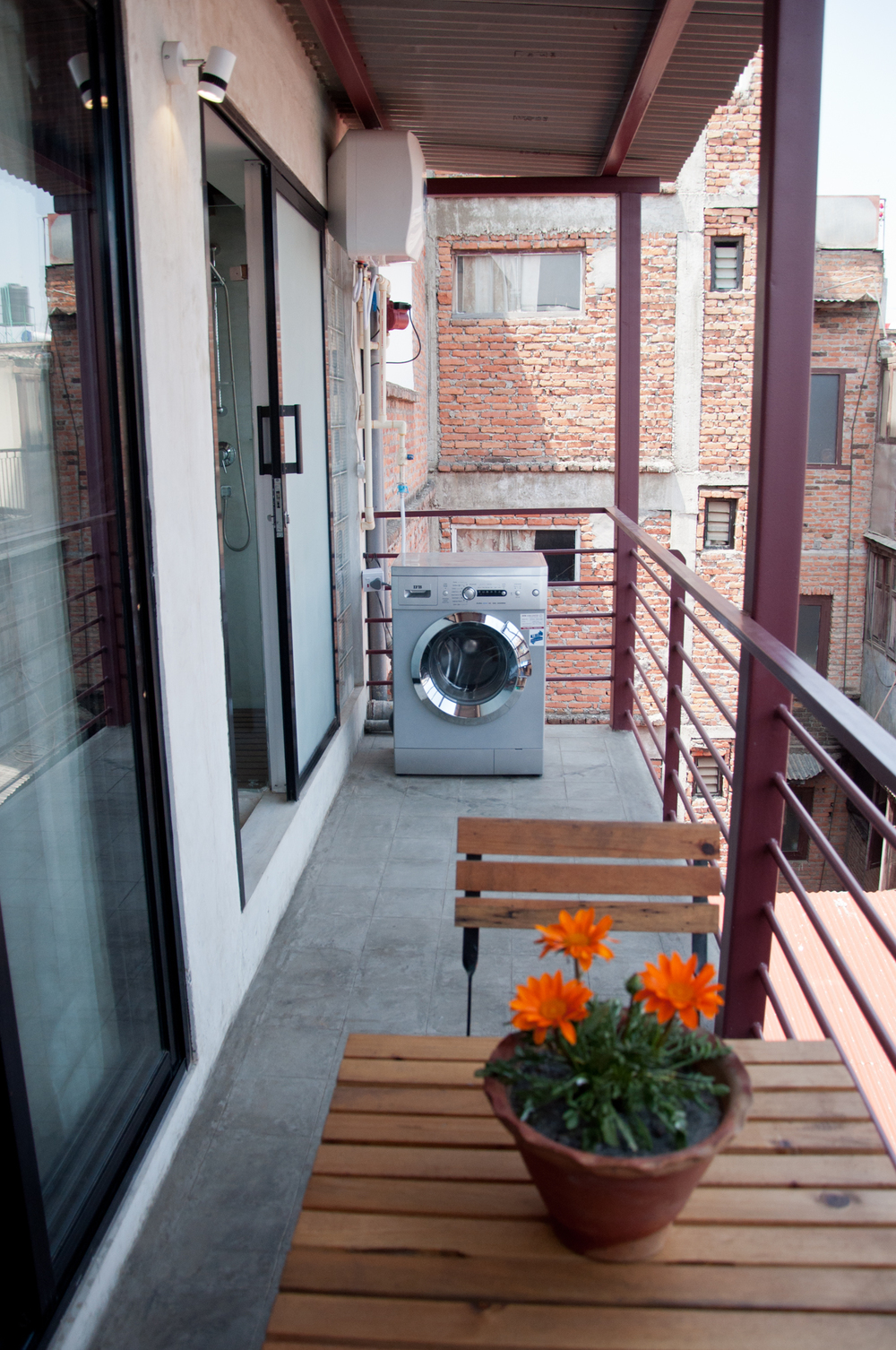 Bedroom's balcony and your own washing machine