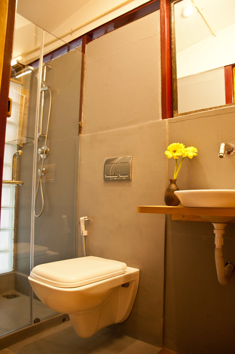 clean & modern bathroom with 24 hrs hot water for shower.