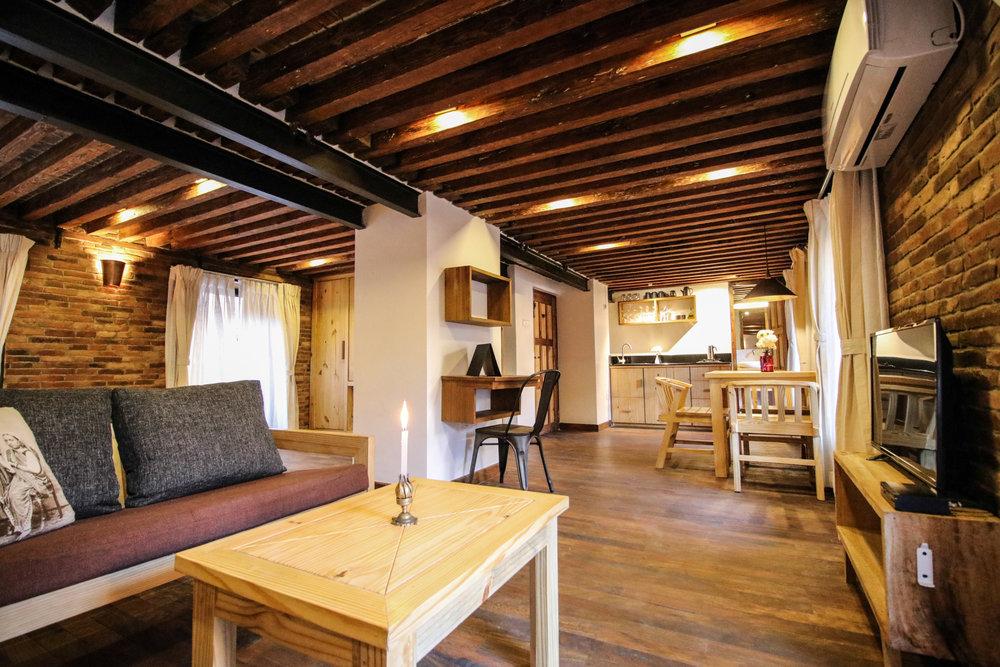 cosynepal-balcony-studio-apartment