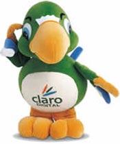Você lembra dele?  Na entrada da marca, o papagaio foi escolhido como o símbolo da Claro e testado nas pesquisas da Segmento para a marca.