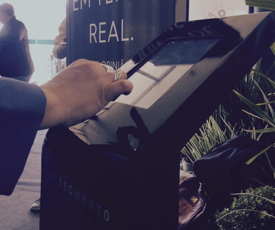 TOTEM DE PESQUISA - Segmento Opinion: A melhor solução de pesquisa de satisfação de mercado em tempo real através de totem digital.