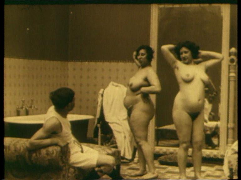 Unas lozanas señoritas de una de las películas de Alfonso XIII