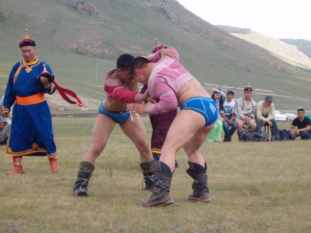 Dos combatientes de Bökh