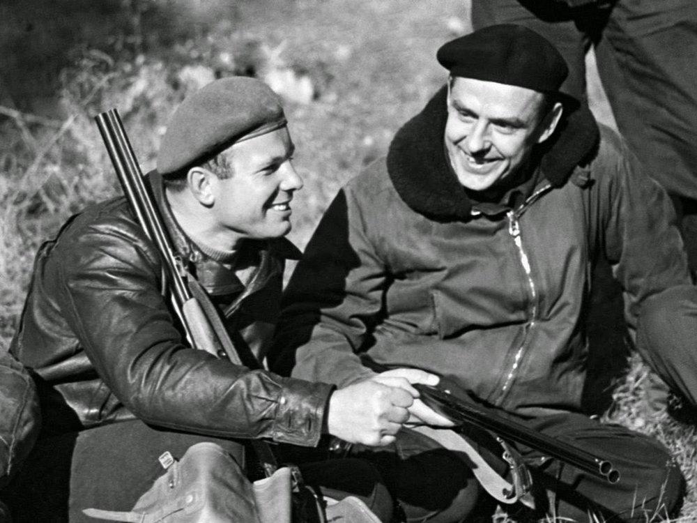 Gagarin y Komarov de caza