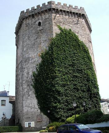 La Torre de Andrade, todo lo que queda de la antigua fortificación